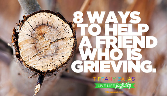 8-Ways-to-Help-a-Friend-Who-Is-Grieving